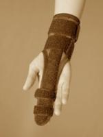 Ortéza prstů s výztuhou univerzální
